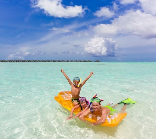 viagem crianças maldivas ferias