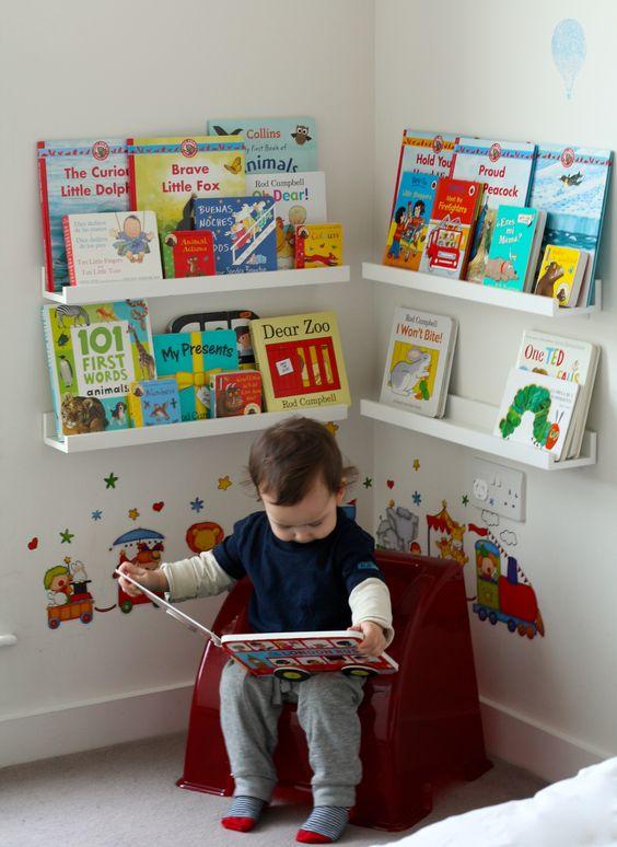 quarto montessoriano livros crianca