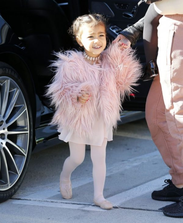 North West_kim_estilo_crianca